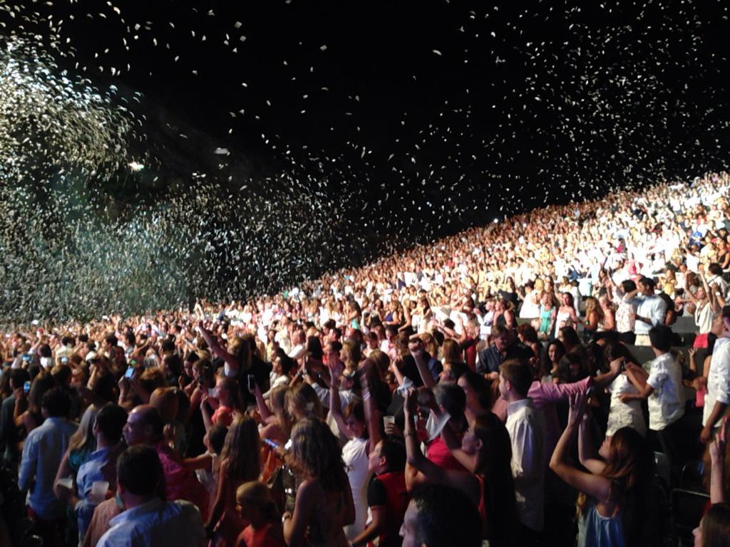 Espectacular concierto de  @enrique305 en @StarliteFest #Marbella ... En breve el reportaje completo http://t.co/ekhhKzUMzG
