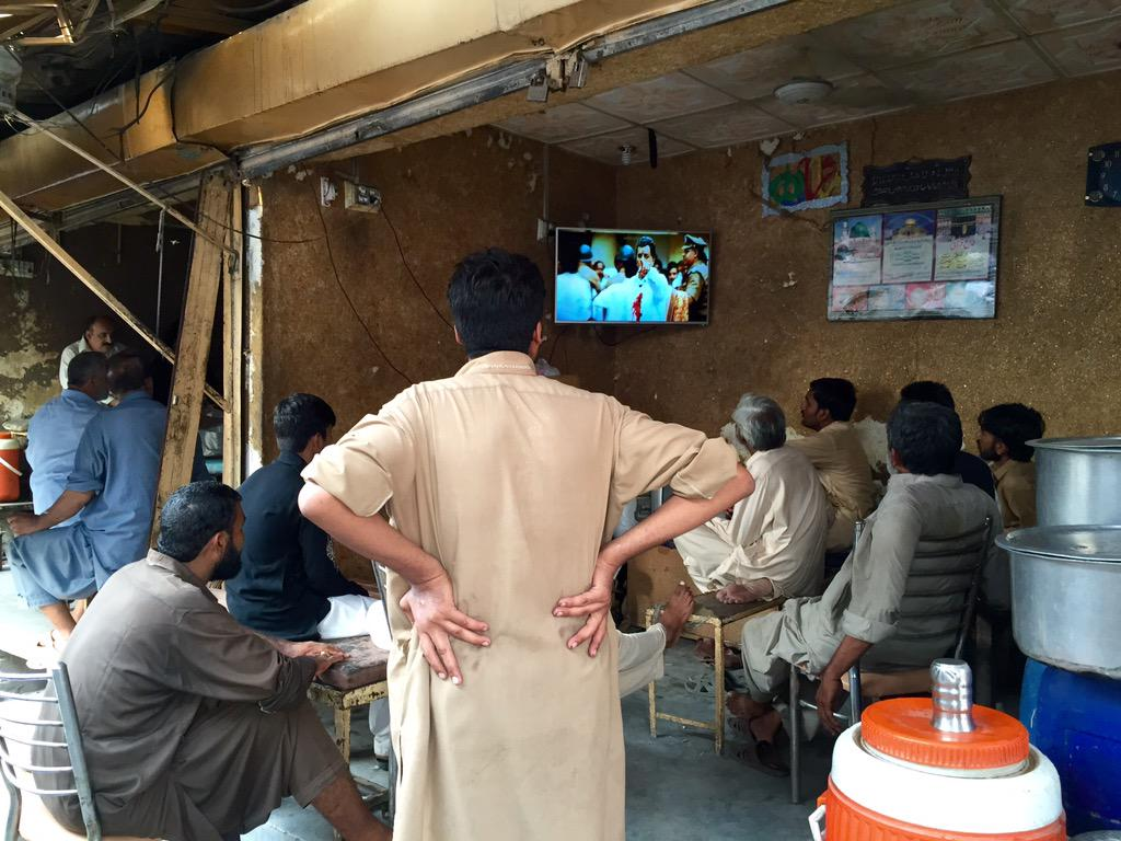 Pindi is watching a Tamil film on the independence day (@ Banni Market, Rawalpindi) http://t.co/BNwykOmlIH