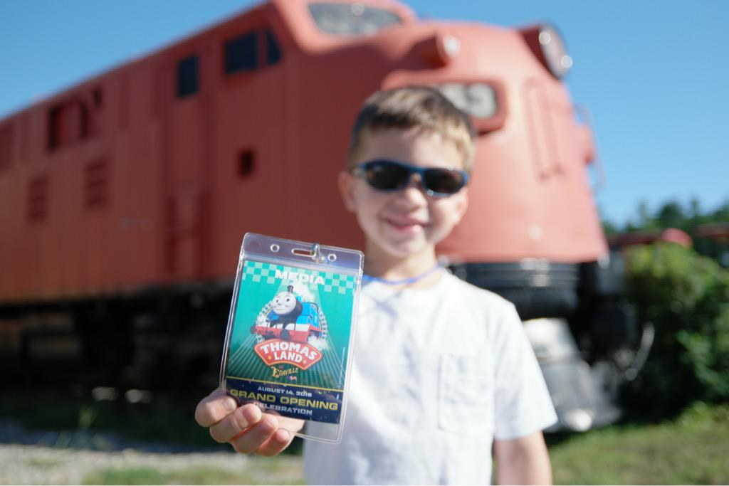 Someone is excited for Thomas Land! @EdavilleUSA @ThomasFriends #imagelogger #nx500 @Mattel http://t.co/AeJLRpx6Vz