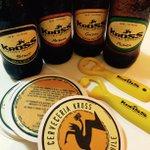 "Síguenos, Haz RT y participa x 1 ""Kit de sobrevivencia"" (caja cerveza, posavasos, destapador) #YoPasoAgostoConKross http://t.co/mf4E3zQrsY"