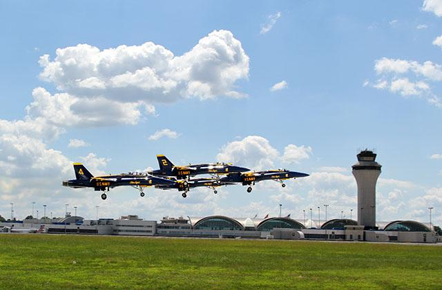 The sky was just a little more blue over Lambert  @USNavy @BlueAngels @Boeing  #POTW  http://t.co/UGHJg4XVRp http://t.co/iEJHIJaYHQ