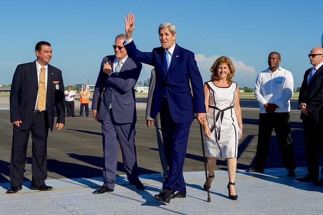 Pleased to be in #Havana for historic day @USEmbCuba. Incredible: last time #SecState visited #Cuba, FDR was @POTUS. http://t.co/URedAaDpZs