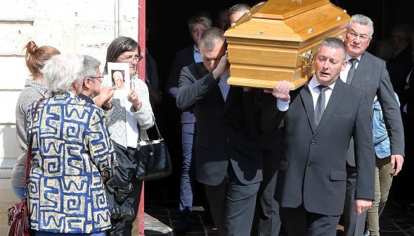 Arques le dernier adieu odette durand veuve du patron mythique d arc in - Famille durand arc international ...