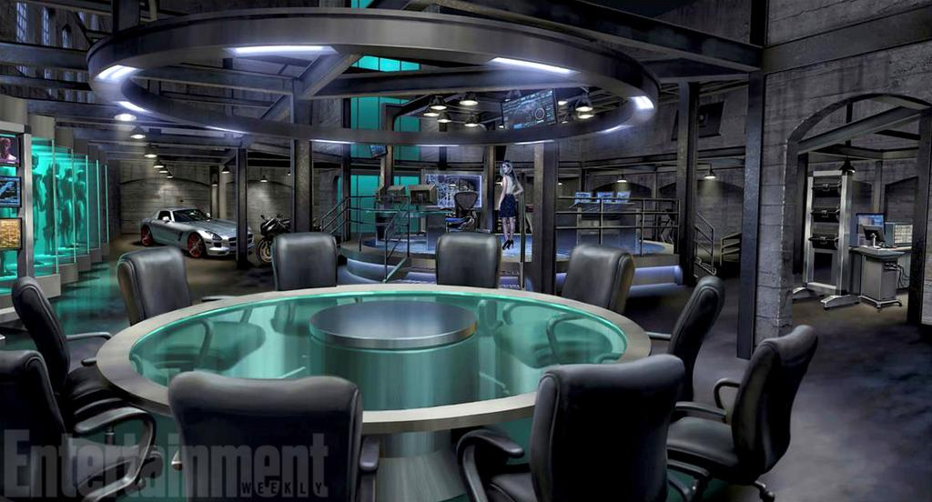 I can just imagine the team sitting around the table!!! @CW_Arrow  @ARROWwriters #ArrowSeason4 http://t.co/Ztc6kndXL9