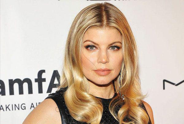 RT @Latina: .@Fergie speaks proudly about idolizing Selena, even 20 years later: http://t.co/fVBKpwtQsK http://t.co/c1CD8vUMLw