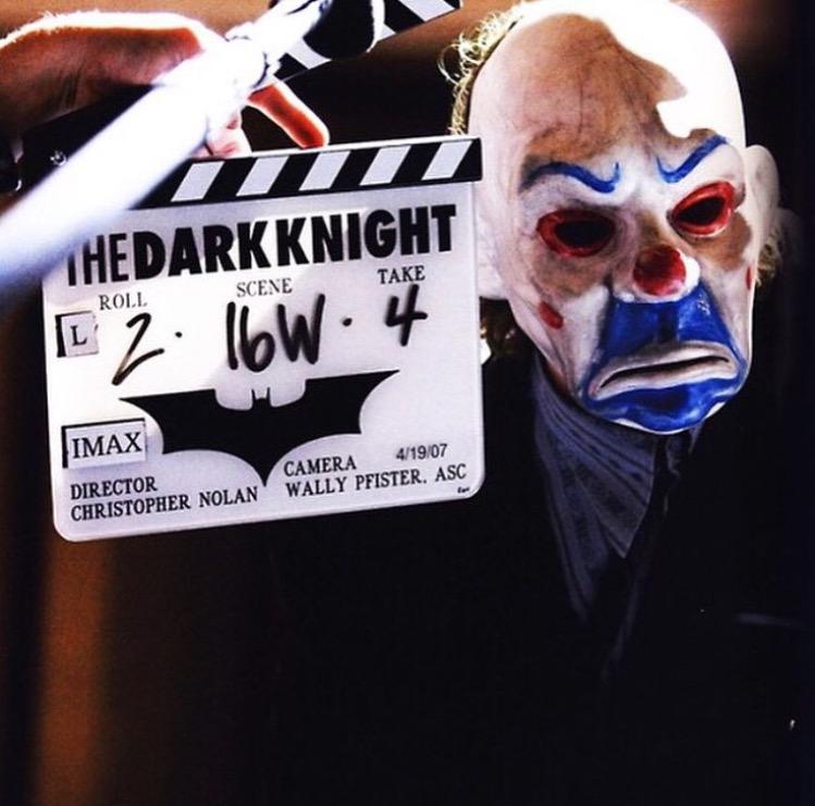 Detrás de las cámaras de 'El Caballero Oscuro' (2008) http://t.co/Y5iKGqkqyw