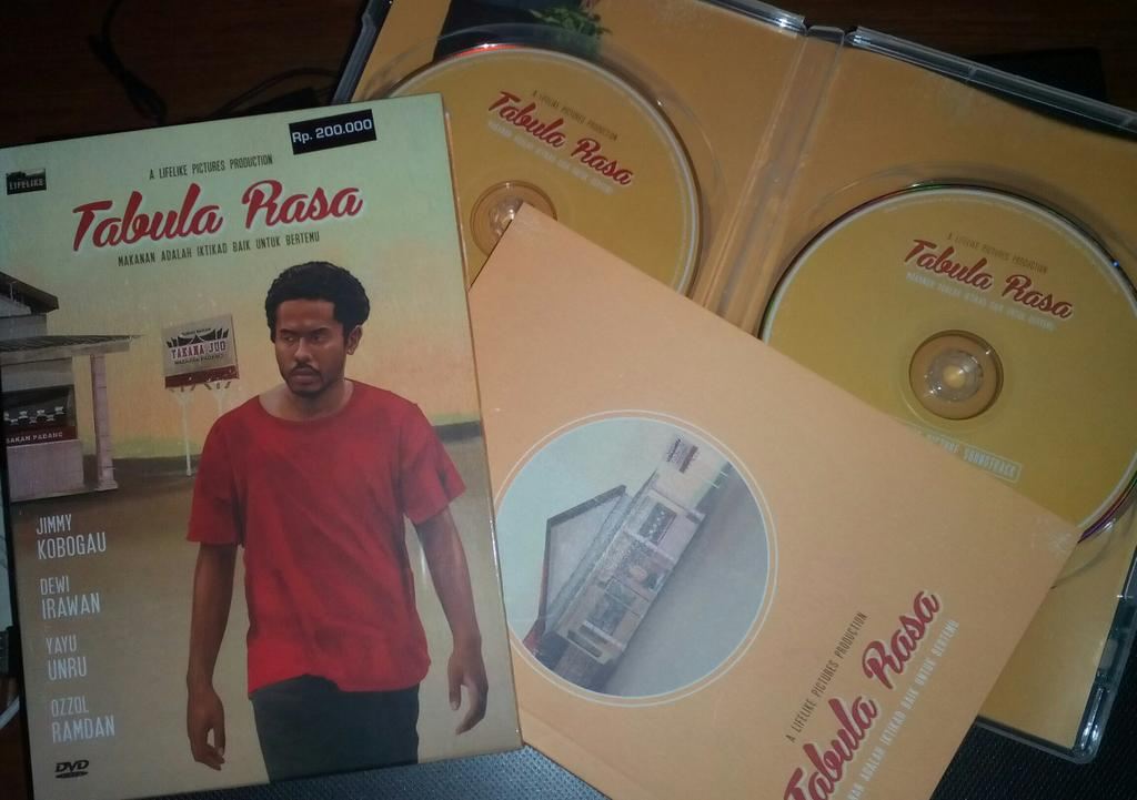An Epic package of @TabulaRasaFilm DVD!! http://t.co/9jk7eCoicq