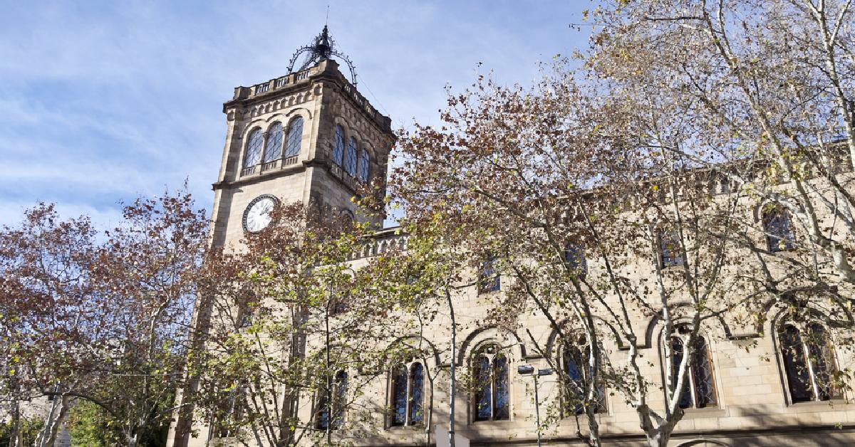 La #UB torna a ser l'única universitat espanyola entre les 200 millors universitats del món http://t.co/Eb3CyxscOk http://t.co/tQzSma0ZVt