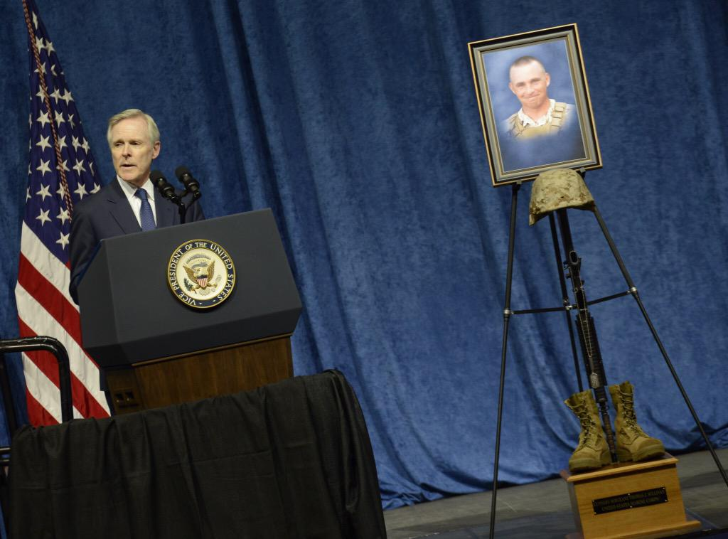 #SECNAV speaks at memorial service honoring Marines and Sailor killed during the #Chattanooga Shooting. http://t.co/mMHJLtuM5e