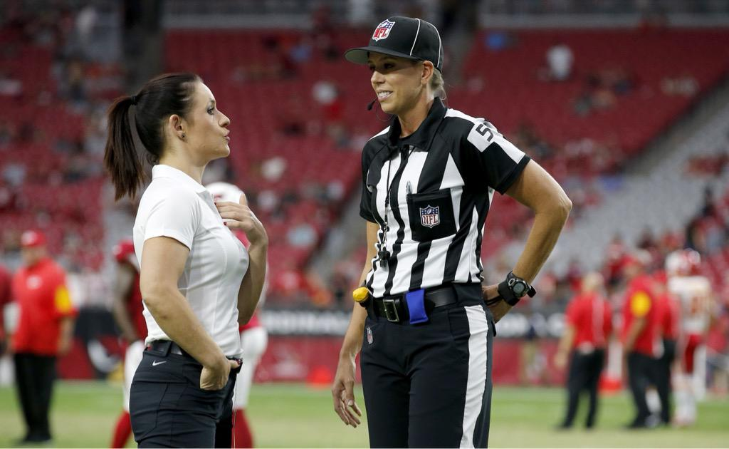 Jen Welter and Sarah Thomas meet before tonight's Cardinals game. NFL history in Glendale. #KCvsAZ http://t.co/7hBijL0jMp
