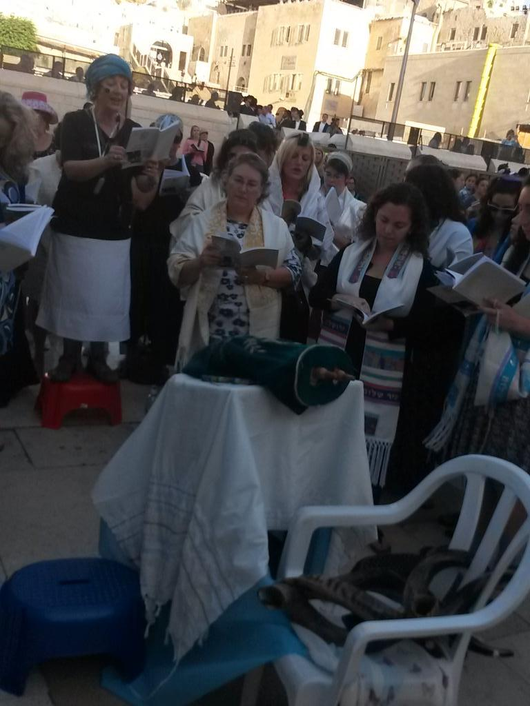 Women praying Slichot, out loud, woth Tallit, tefillin, shofar and a Torah. Only took 27 years and an all-nighter! http://t.co/XitqsNFTf8