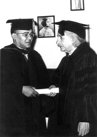 Einstein receives an honorary degree from Horace Mann Bond, Pres. of Lincoln U. & father of late activist Julian Bond http://t.co/JpzCwVg5ND
