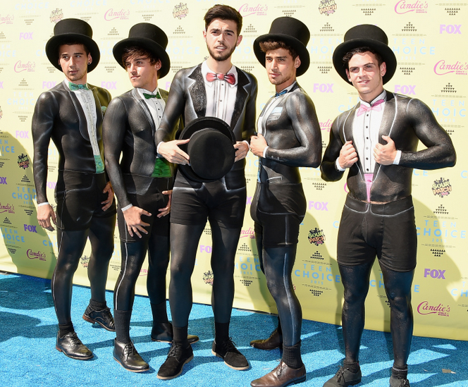 The Janoskians rocked the red carpet at the #TeenChoiceAwards: http://t.co/db96x7iyq0 http://t.co/OqwocIwOli