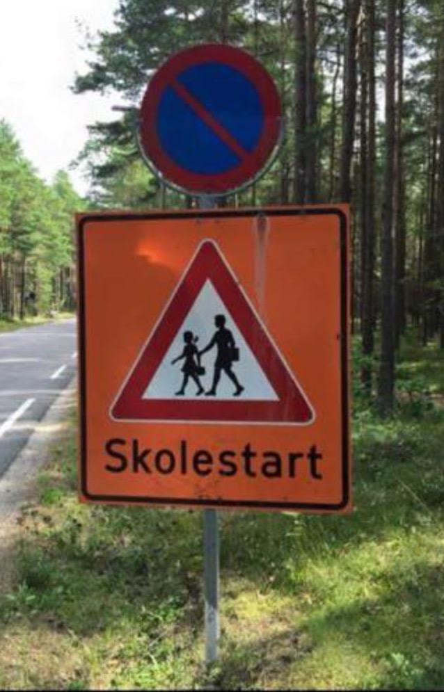 Husk! 6-åringer, #skolestart, #trafikksikkerhet, #senkfarten og #trygtframsammen http://t.co/wuqMjw1WOC
