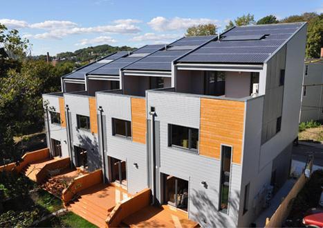 Nieuw type #dakbedekking: #zonnepaneel @GJIZ @DuurzaamwonenNL @DuurzaamWenL_EH http://t.co/VpRDRMzBRM