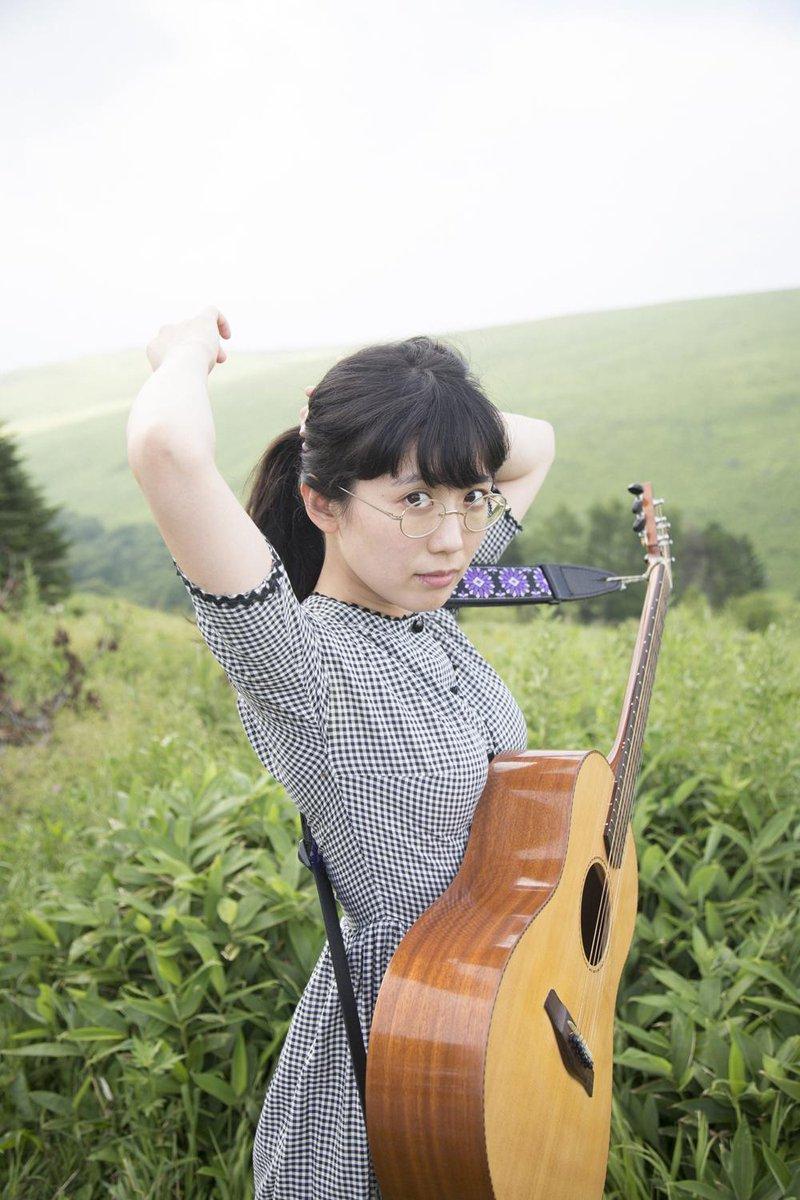 アルバムのタイトルは『柴田聡子』です。山本精一さんプロデュースのもと、つくりました。聴いていただけるとうれしいです。くわしい情報、こちらです。どうぞよろしくおねがいいたします。→→http://t.co/fsvfuWW53r http://t.co/ST0CsyEthM