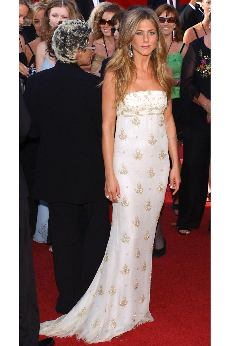 Have you seen the truth behind jennifer aniston\'s wedding dress ...