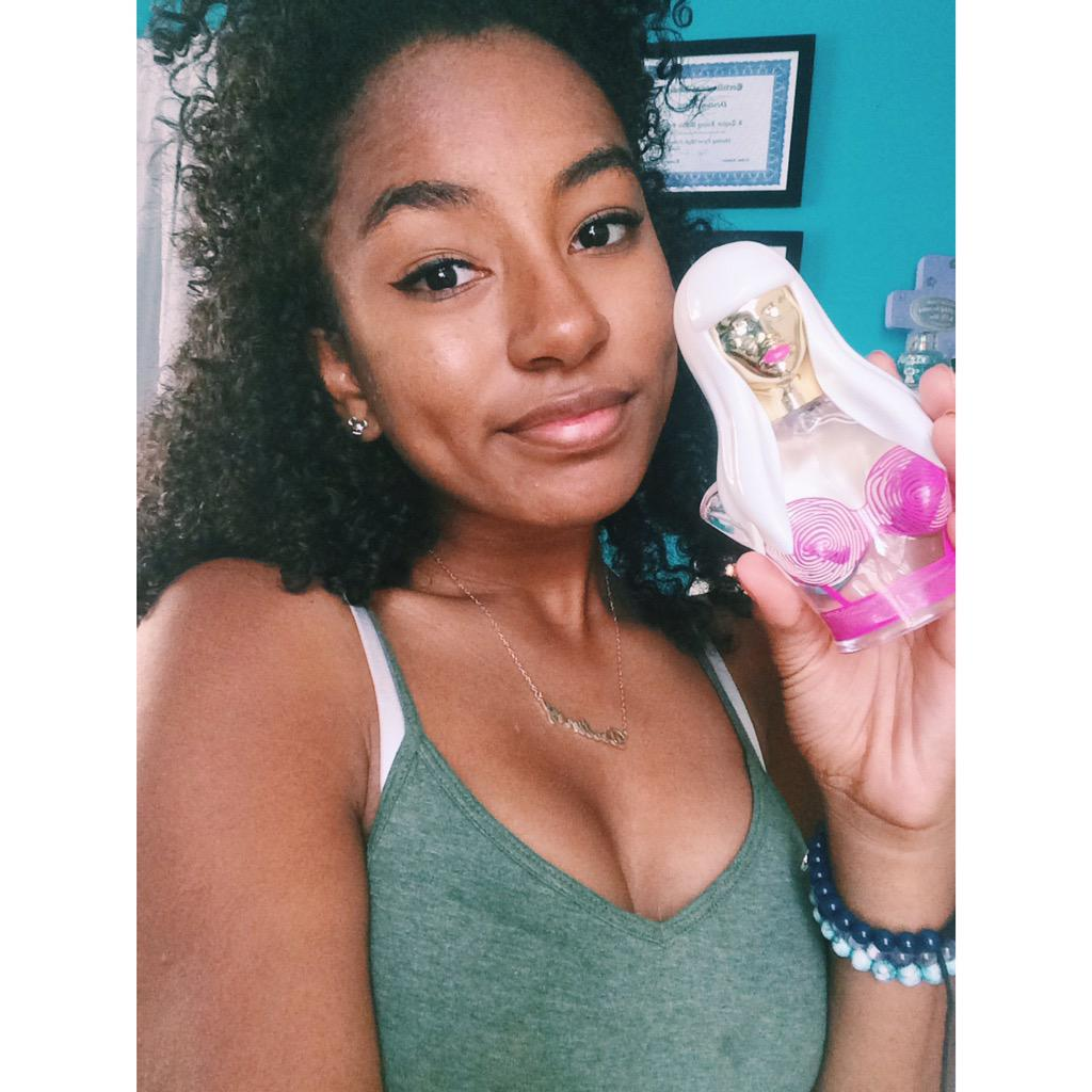 RT @DestineyMinaj: @NICKIMINAJ look what came today ???????? it smells amazing http://t.co/B3Ueobuvkj