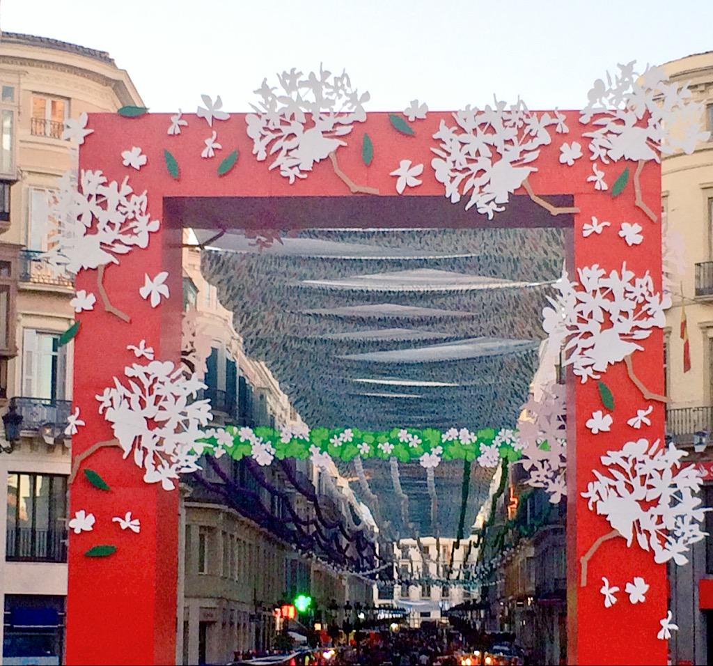 ¡Ay Málaga! ¡Qué radiante estas! #fiuuufiuuu #ElTerral #FeriaMLG #FeriaMLG2015 @FeriaMLG http://t.co/pTeIRwhlyb