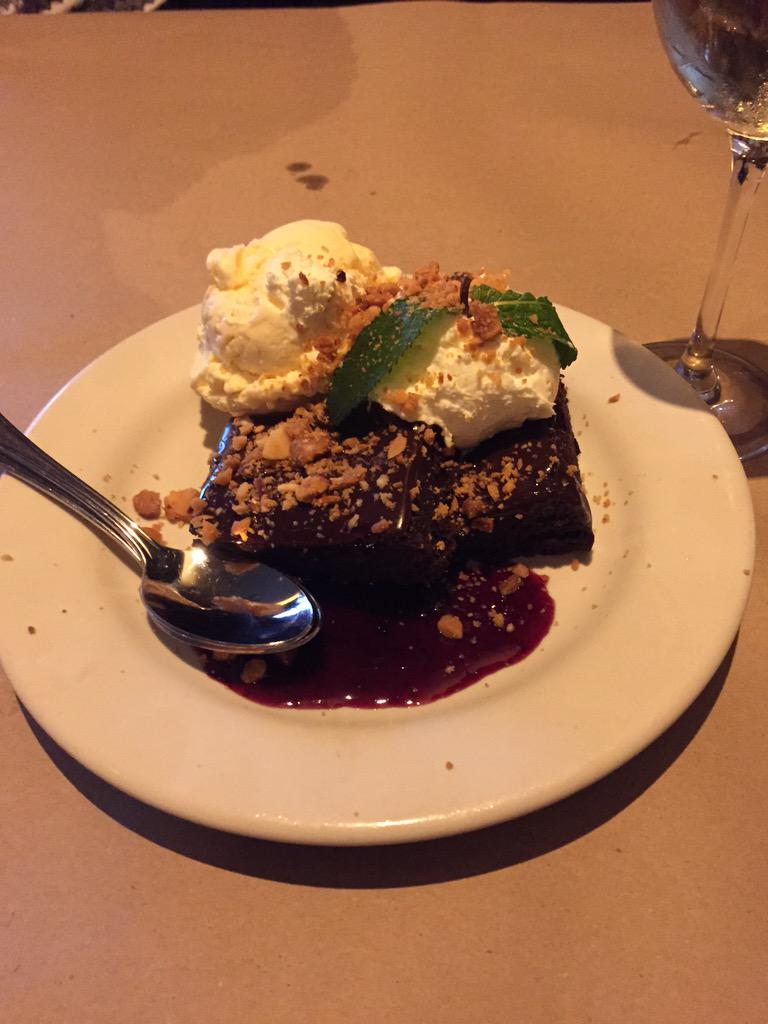 We did not need to know the chocolate brownies at @bonefishgrill were gluten free! #gfree #gf #celiac http://t.co/Ib32wQKrIj