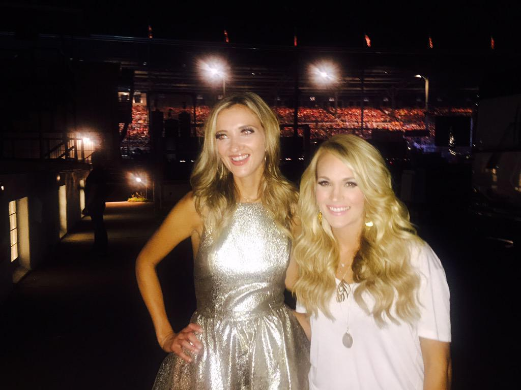 She's the sweetest! @carrieunderwood http://t.co/8bXRVzZYIh
