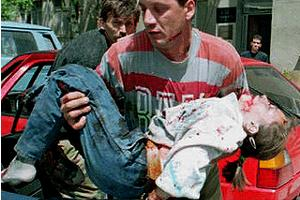 Sarajevo market, #Bosnia 1995; Douma market, #Syria 2015. One caused international intervention, one won't. http://t.co/qIYqWOjv0n