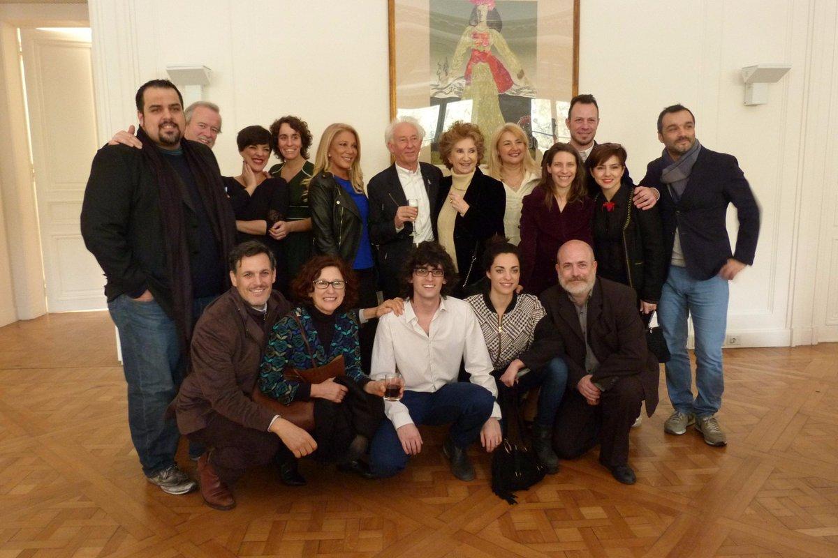 El elenco de #ElPimientoVerdi en su presentación esta mañana. #Ópera #Verdi vs #Wagner http://t.co/NHcIcT3Z2L