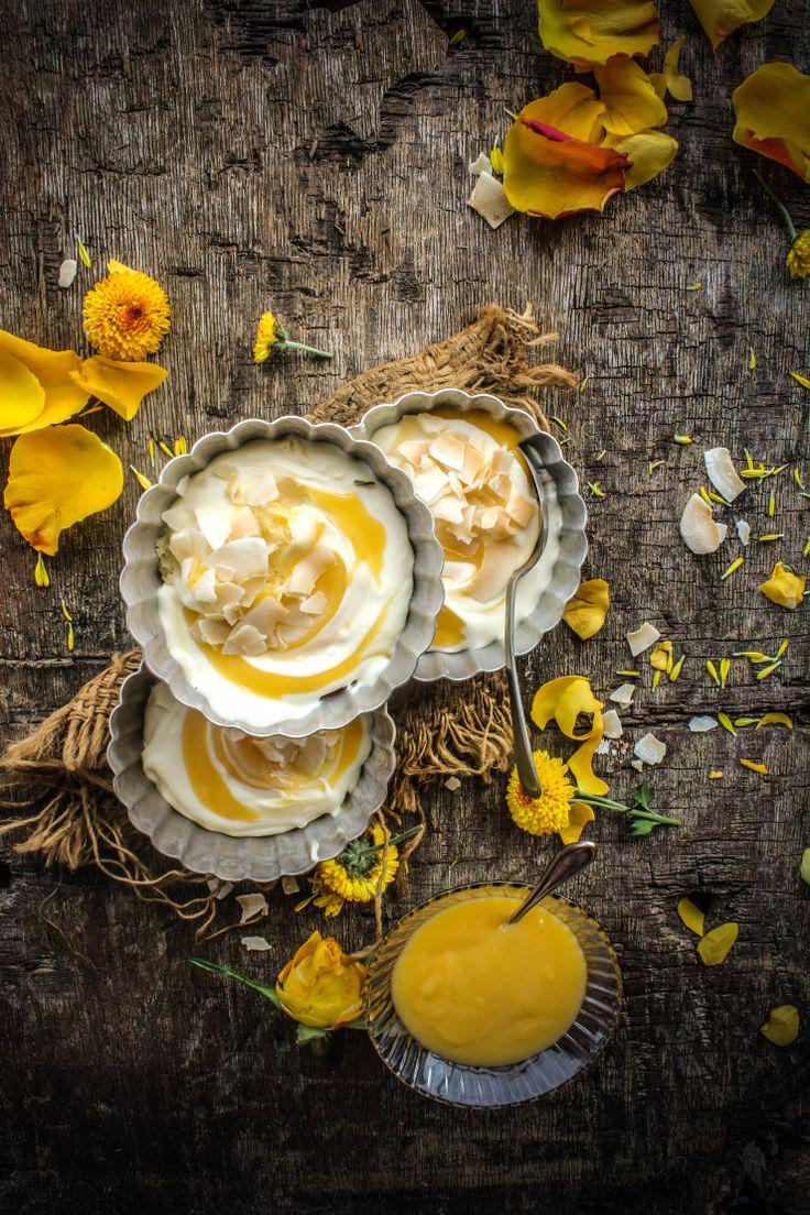 Pensando que con una crema de coco y un poco de cuajada de piña, podemos descansar hasta mañana ❥❥❥ http://t.co/CACqWTKTct