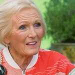 Mary Berry talks Bath Rugby and baking (of course) ahead of Clubs 150th anniversary event http://t.co/o2b886h5E6 http://t.co/F4gLHummjZ