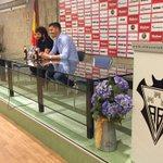 Agus esta siendo presentado en estos momentos en la sala de prensa del Carlos Belmonte. @AlbaceteBPSAD @agus_g_85 http://t.co/SkMo3QAFkn