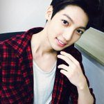 [TRANS @BOYF_YM]http://t.co/OTw88Dzr1B Are you having fun watching Save the Family? Before I go shooting, (cont) http://t.co/FJbj6nqMgc