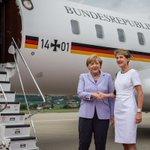 Besuch der Bundeskanzlerin Angela #Merkel in Bern. Empfang am Flughafen durch Präsidentin Simonetta #Sommaruga (BK) http://t.co/nAfeczx9Ae