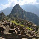 【縁】「空中都市」マチュピチュ村と友好協定 福島・大玉村 http://t.co/KfjymWQ3sL ペルーに移民した後、初代村長になったとされる野内与吉氏(1895-1969年)が、大玉村出身だったことがきっかけで実現した。 http://t.co/Gfn0LHG8iy