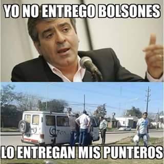 Nosotros NO ENTREGAMOS BOLSONES, DECIAN MACRI Y CANO ...RT http://t.co/n8LxedMlEq