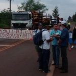 La huelga docente continúa y se refuerzan las movilizaciones y cortes de ruta http://t.co/u2XPmC2g6l http://t.co/XScc5EDMxj