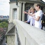 Bern: Kanzlerin #Merkel wird von Schweizer Bundespräs.Sommaruga empfangen. Pressekonf.14:30, http://t.co/ozwwr0ZdL7 http://t.co/ols6jAM2jN