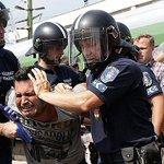 Verdammt, das kann doch nicht sein: Ungarn bringt Flüchtlinge aus Zug in Lager http://t.co/1Aqc4qKS8e http://t.co/8F2wSwpepe