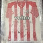 Were auctioning this shirt off 4 @chc2015 Could u RT to reach as many fans as possible @mattletiss7 @SouthamptonFC http://t.co/jfhQ4kL4ro