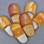 【お腹すいた】パンみたいなスリッパ「スリッパン」が美味そう http://t.co/GRDIswuunN フランスパン、ロールパン、黒糖入りコッペパンの3種類。あくまでスリッパです http://t.co/DpZ8nsZgOX