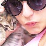 Greta Menchi si è fidanzata con un gatto.???? #GossipWithGreta http://t.co/0qJuwV2Mcc