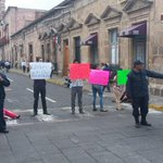 #MarmorVial Bloque en la calle Allende, a la altura de Palacio Municipal http://t.co/najUh15Rgl