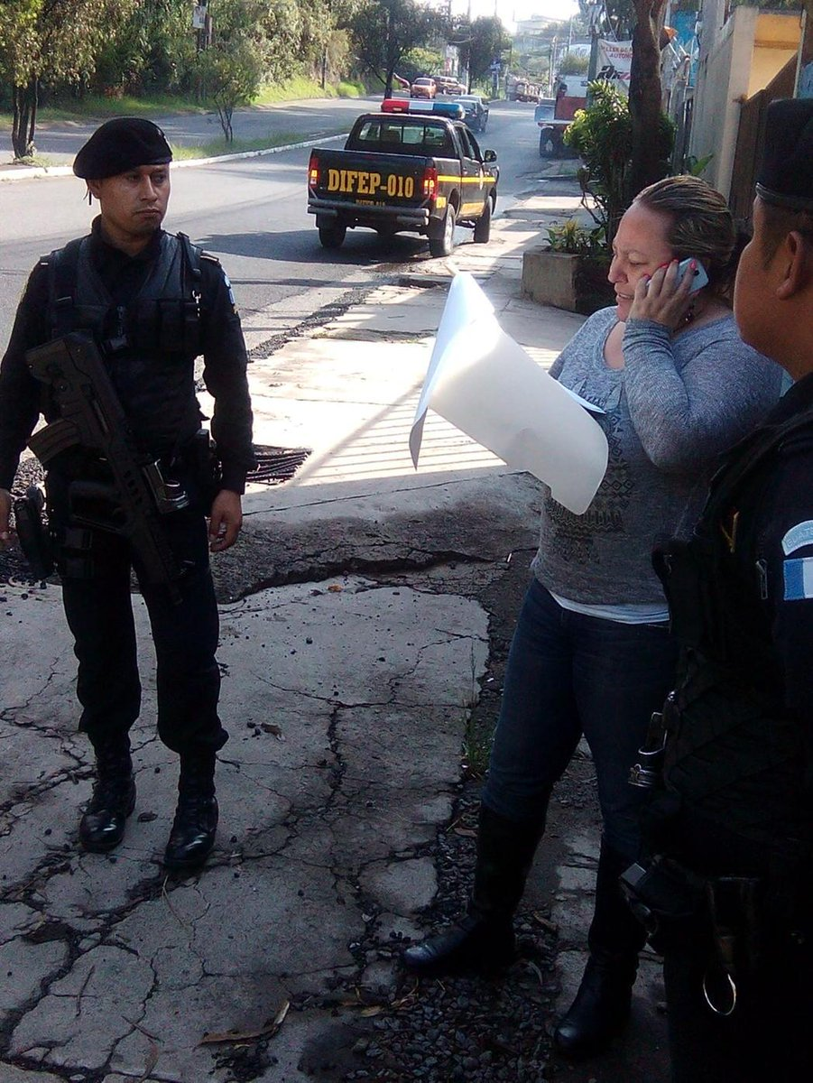 Capturan en Mixco a María Marta Castañeda Torres hija de Gloria Torres por delitos de Estafa y Defraudación http://t.co/aIP6VK85x3
