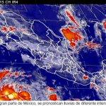 60% de probabilidad de #lluvia muy fuerte (75 mm) acompañada de #tormenta eléctrica y #granizo en Michoacán. http://t.co/DFROSW3nuX