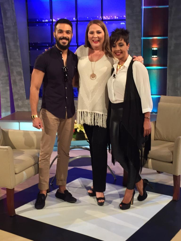 Este domingo en @ConJatnna tenemos  plato fuerte @LunaZoila y @shalim se confiesan durante una entrevista muy amena. http://t.co/iuVnzrSJ2h
