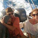 Profugo #siriano salvato dopo 13 ore in mare,abbraccio con la #turista greca commuove il web http://t.co/A03P2uxJFF http://t.co/en9ru5cFC5