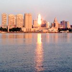 #Sunrise on the Delaware River. #Philly #skyline #reflection http://t.co/wh04NUhW4U