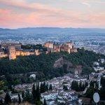 #HolaSeptiembre, la #Alhambra te recibe con su cara más bonita, desde la colina del Albaicín http://t.co/77whaMcbrO http://t.co/oZsGQX9vEh