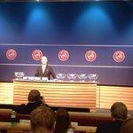 De loting voor de @UEFAYouthLeague (Domestic Champions path) is begonnen! Aan wie wordt #Ajax A1 gekoppeld? #UYL