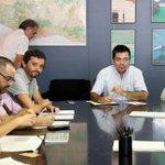 Barcelona crea un registro de familias que se ofrecen para acoger refugiados http://t.co/dkj6tOTrZz http://t.co/KHaGkWjntK