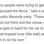 #Rumors | According to @NYDailyNews, Zayn had to hop over a wall to get into the VMAs Republic Records after party. http://t.co/XBf5w2qEEn